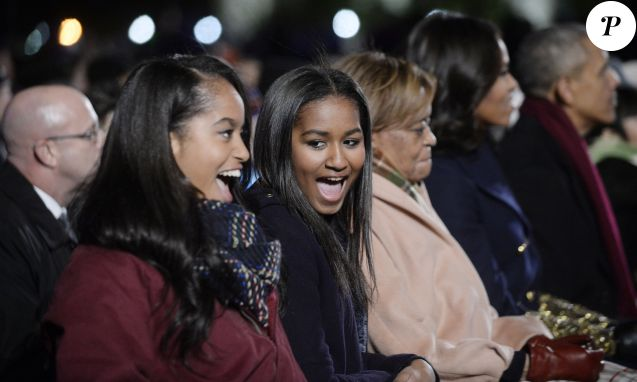 Malia et Sasha Obama à Washington, le 3 décembre 2015.