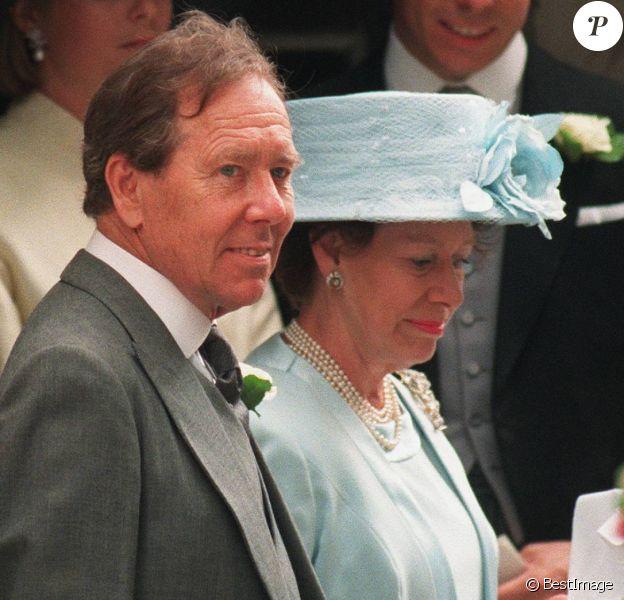 Antony Armstrong-Jones, Lord Snowdon et la princesse Margaret lors du mariage de leur fille Sarah Armstrong-Jones et Daniel Chatto le 14 juillet 1994