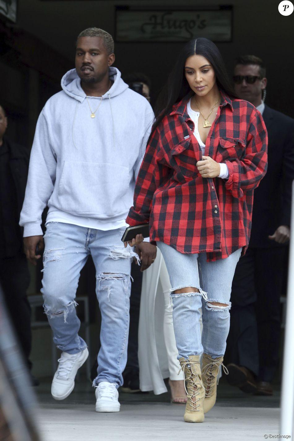Kim Kardashian et Kanye West retrouvent Kourtney Kardashian pour déjeuner à Calabasas, le 18 janvier 2017.