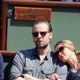 Jour 10 - Anne Marivin et son compagnon Joachim Roncin à Roland-Garros le 4 juin 2013.