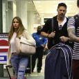 Exclusif - Sofia Vergara et Joe Manganiello arrivent à l'aéroport de Miami en vue de leur mariage ce dimanche à Palm Beach le 19 novembre 2015