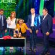 """Priscilla terrorisée par une paire de pantoufles dans """"Stars sous hypnose"""" sur TF1 le 28 janvier 2017."""