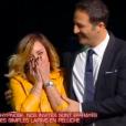 """Priscilla terrifiée par une paire de pantoufles dans """"Stars sous hypnose"""" sur TF1 le 28 janvier 2017. Ici avec Arthur."""