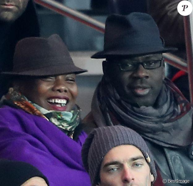 Malika Ménard, Lilian Thuram et sa compagne Kareen Guiock, Camille Lacourt au match de ligue 1 Paris Saint-Germain (PSG) - AS Monaco (1-1) au Parc des Princes à Paris, le 29 janvier 2017.