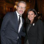 Lambert Wilson et Julian Bugier entourent Anne Hidalgo pour un soir de gala