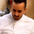 """Franck, très nerveux, est recadré par Philippe Etchebest - """"Top Chef 2017"""" sur M6. Le 1er février 2017."""
