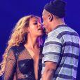 """Jay Z et Beyoncé Knowles en concert dans le cadre de leur tournée """"On The Run"""" à Pasadena le 2 Août 2014."""