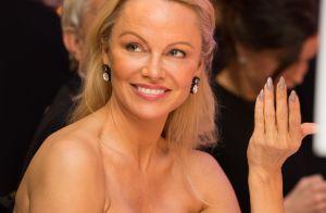 Pamela Anderson : La star serait en couple avec un célèbre cyber-militant...