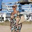Exclusif - Prix Spécial - No Web No Blog - Amber Rose profite de la plage à Honolulu, à l'occasion de son séjour sur l'île pour l'ouverture du club Encore. Le 28 janvier 2017  Exclusive... 52296808 Amber Rose spotted on the beach in Honolulu, Hawaii on January 28, 2017. Amber touched down in Honolulu on Thursday as she'll be making a guest appearance alongside DJ T. Brixx and N. Cannon for Hawaii's grand opening of club Encore.28/01/2017 - Honolulu