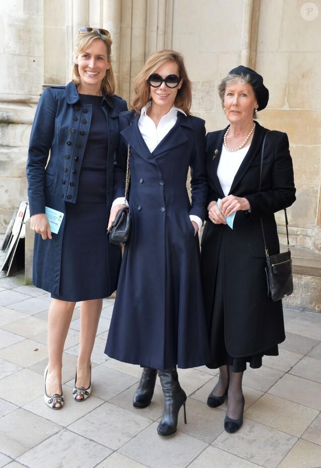 Santa Montefiore (née Palmer Tomkinson), sa soeur Tara Palmer Tomkinson et leur mère Patti Palmer Tomkinson lors de la messe en hommage à Sir David Frost en l'Abbaye de Westminster à Londres, le 13 mars 2014.