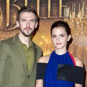 Emma Watson pose avec son prince charmant à Paris pour La Belle et la Bête