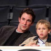 Noah Wyle, d'Urgences, et son adorable fils Owen se font une sortie... entre hommes !