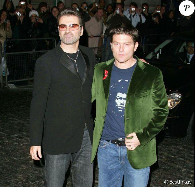 George Michael et Kenny Goss à la première deA Different Story à Londres, le 5 décembre 2005