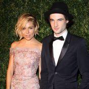 "Sienna Miller très proche de son ex, Tom Sturridge : ""On s'aime toujours"""