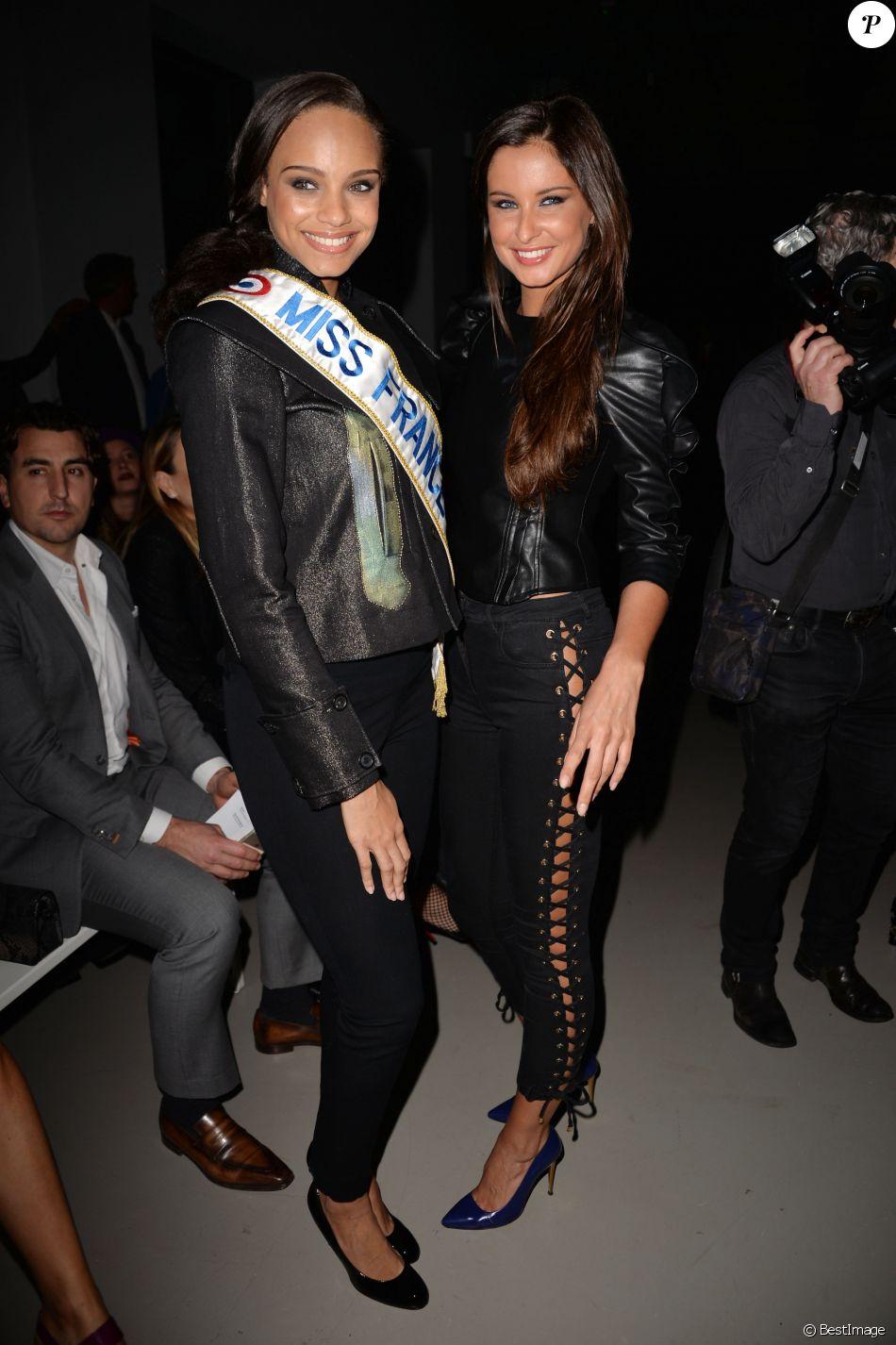 """Alicia Aylies (Miss France 2017) et Malika Ménard - Défilé """"Guy Laroche"""", collection prêt-à-porter automne-hiver 2017-2018. Paris, le 1er mars 2017."""