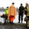 Les équipes de secours lors de leur intervention. Le comte Carl Adam Lewenhaupte, dit Noppe, ami d'enfance du roi Carl XVI Gustaf de Suède, a été retrouvé noyé dans les eaux entourant l'île Djurgården à Stockholm, le 1er mars 2017. Il avait 69 ans.
