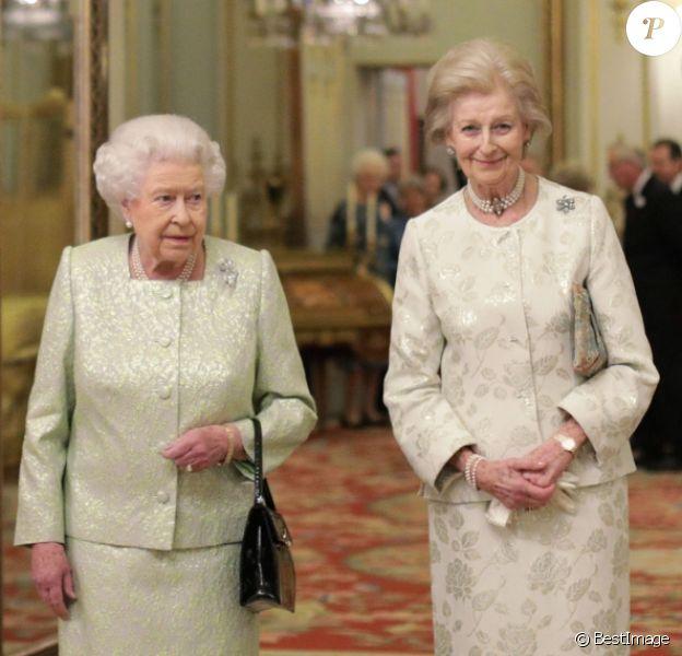 La princesse Alexandra de Kent et la reine Elizabeth II le 29 novembre 2016 à Buckingham Palace lors d'une réception organisée par la monarque en l'honneur du 80e anniversaire de sa cousine et de ses patronages.