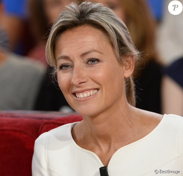 """Anne-Sophie Lapix - Enregistrement de l'émission """"Vivement Dimanche"""" à Paris le 3 septembre 2014."""