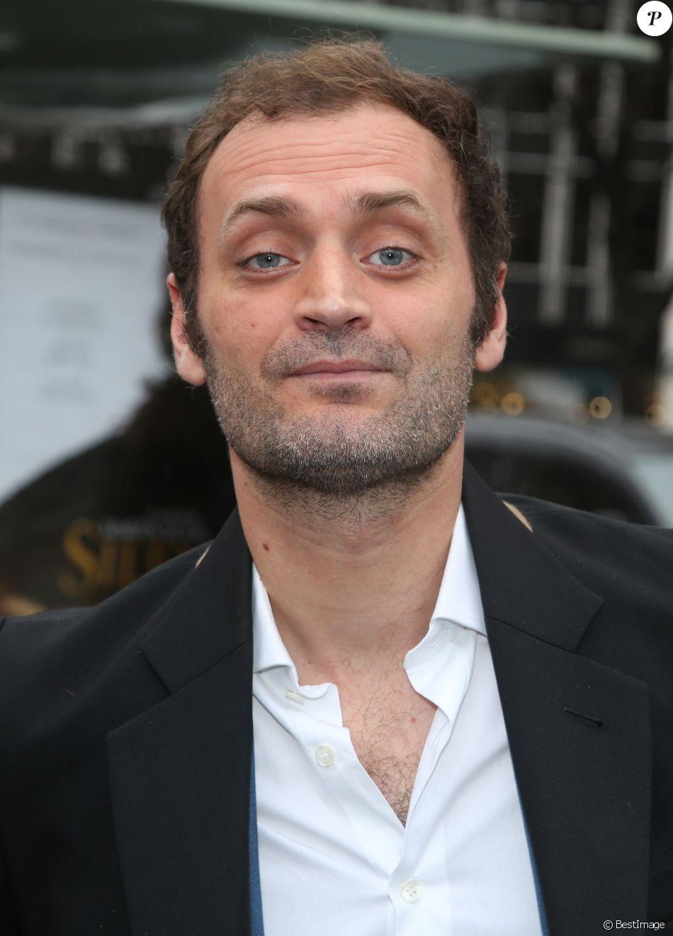 Augustin Trapenard - Arrivées pour le déjeuner des nominations des 'César' au Fouquet's à Paris Le 4 Février 2017.