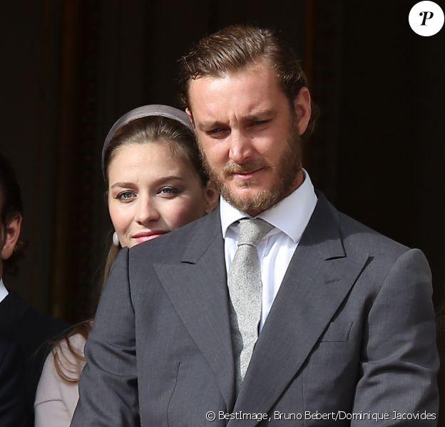 Pierre Casiraghi et sa femme Beatrice Borromeo, enceinte, avec la famille princière au balcon du palais lors de la Fête Monégasque à Monaco, le 19 novembre 2016. © Bruno Bebert/Dominique Jacovides/Bestimage