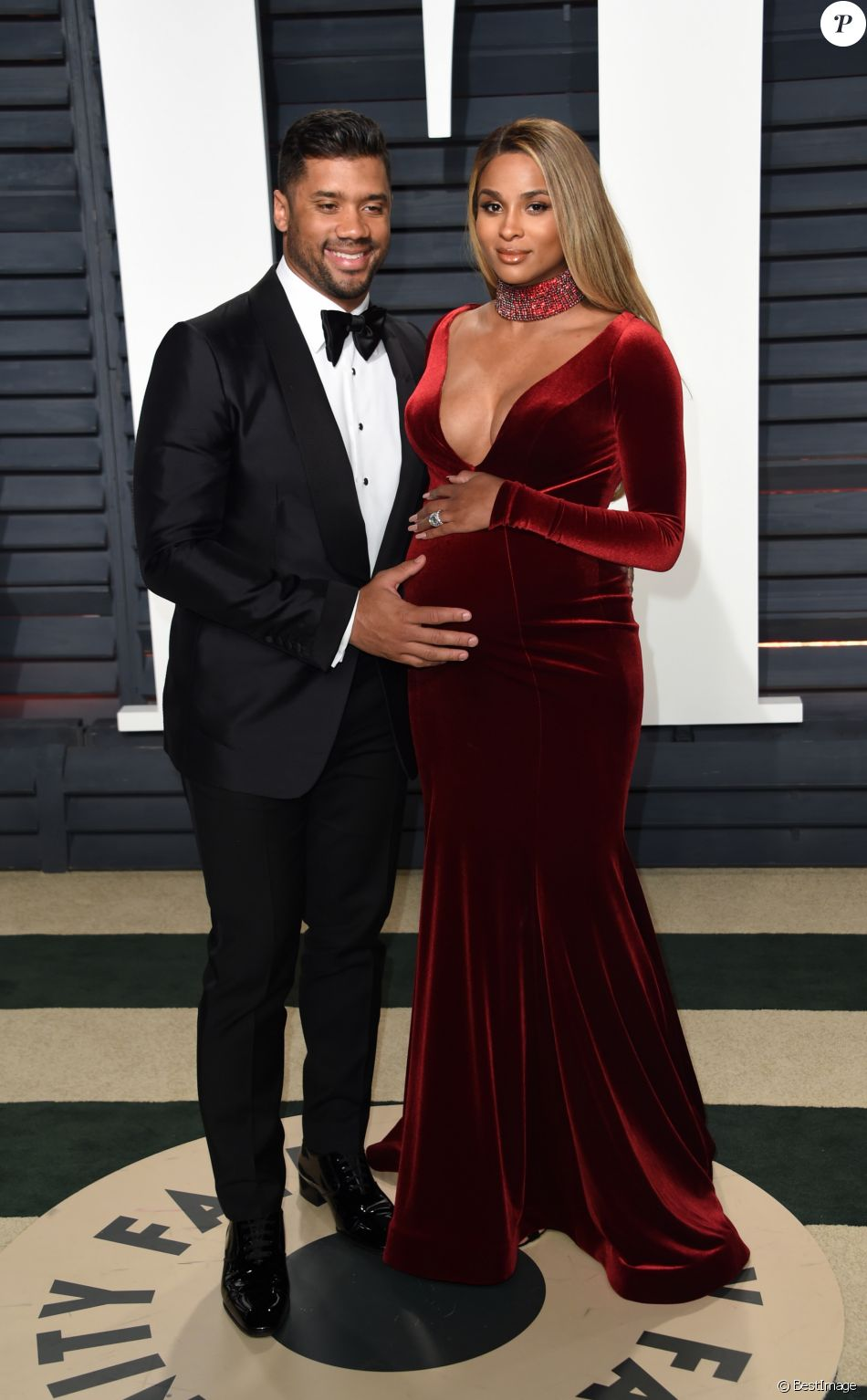 Ciara enceinte et son mari Russell Wilson - Vanity Fair Oscar after party 2017 au Wallis Annenberg Center for the Performing Arts à Berverly Hills, le 26 février 2017. © Chris Delmas/Bestimage