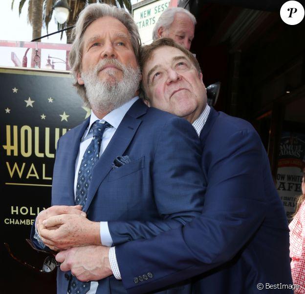 John Goodman et Jeff Bridges, retrouvailles des amis de The Big Lebowski - Inauguration de la plaque de John Goodman sur le Walk Of Fame à Hollywood. Le 10 mars 2017