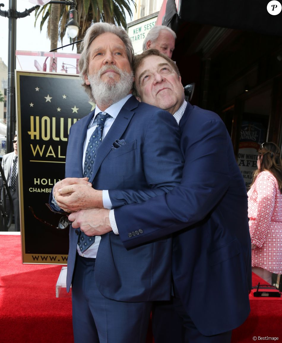 John Goodman et Jeff Bridges, retrouvailles des amis de The Big Lebowski - Inauguration de la plaque de John Goodman sur le Walk Of Fame à Hollywood. Le 10 mars 2017