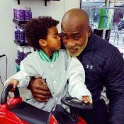 Teddy Riner : Chez le coiffeur avec son fils de 2 ans, il passe au blond