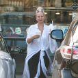 Exclusif - La chanteuse Sia est allée acheter des plats à emporter pendant son déménagement le 15 septembre 2015.