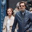 Jim Carrey se promène, main dans la main, avec sa compagne Cathriona White dans les rues de New York, le 18 mai 2015