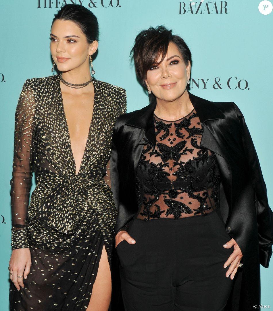 Kendall Jenner, Kris Jenner au Rockefeller Center pour le 150ème anniversaire de Harper's BAZAAR à New York, le 19 avril 2017