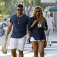 Russell Wilson et sa femme Ciara, enceinte, font du shopping à West Hollywood le 11 mars 2017.