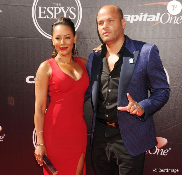 """Melanie Brown (Mel B.) et son mari Stephen Belafonte à la soirée """"The 2015 EPSYS"""" à Los Angeles. Le 15 juillet 2015"""