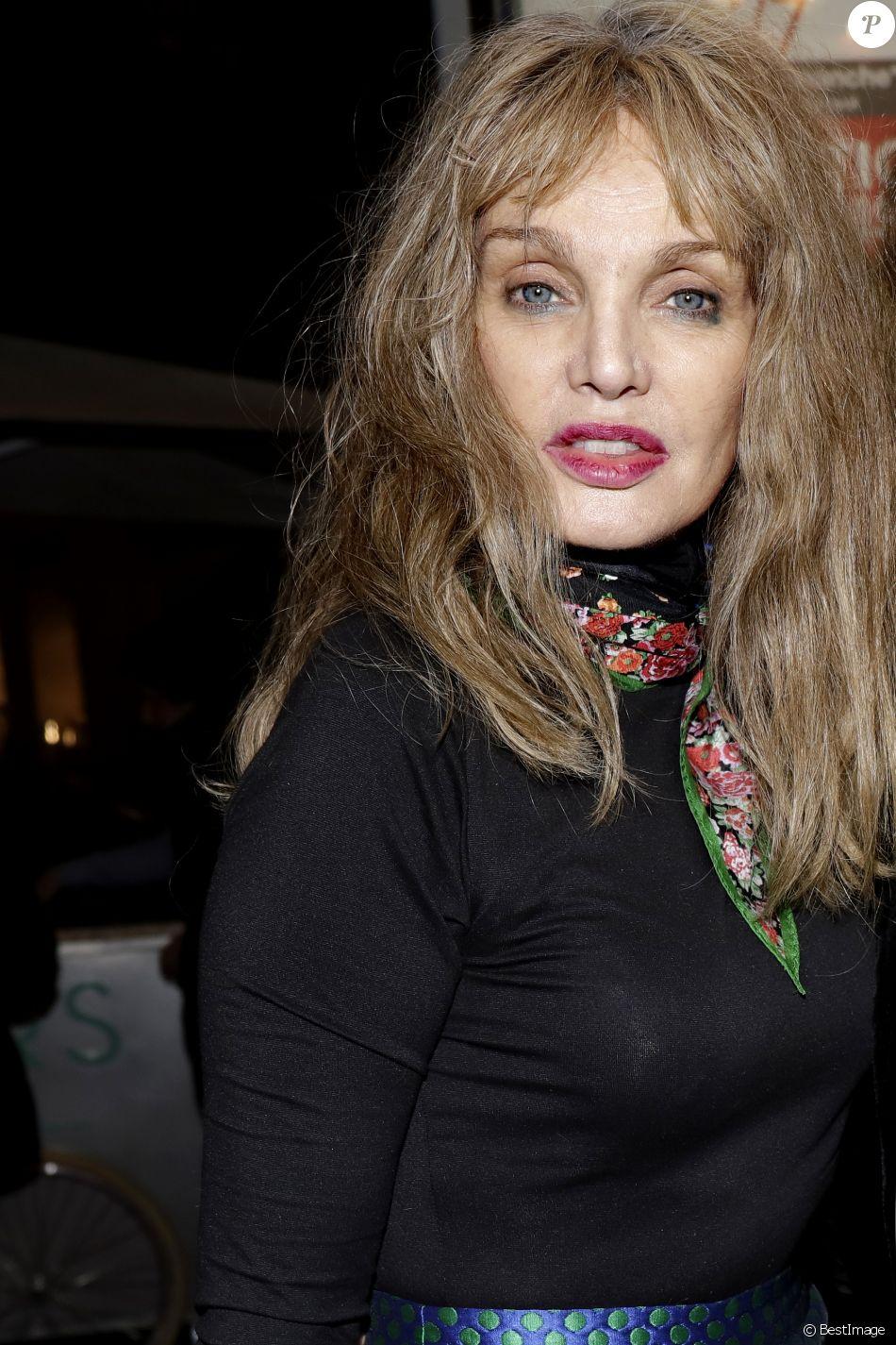 Exclusif - Arielle Dombasle lors de la soirée découverte de la ligne de soins de Marisa Berenson à Paris, France, le 1er mars 2017. © Cédric Perrin/Bestimage