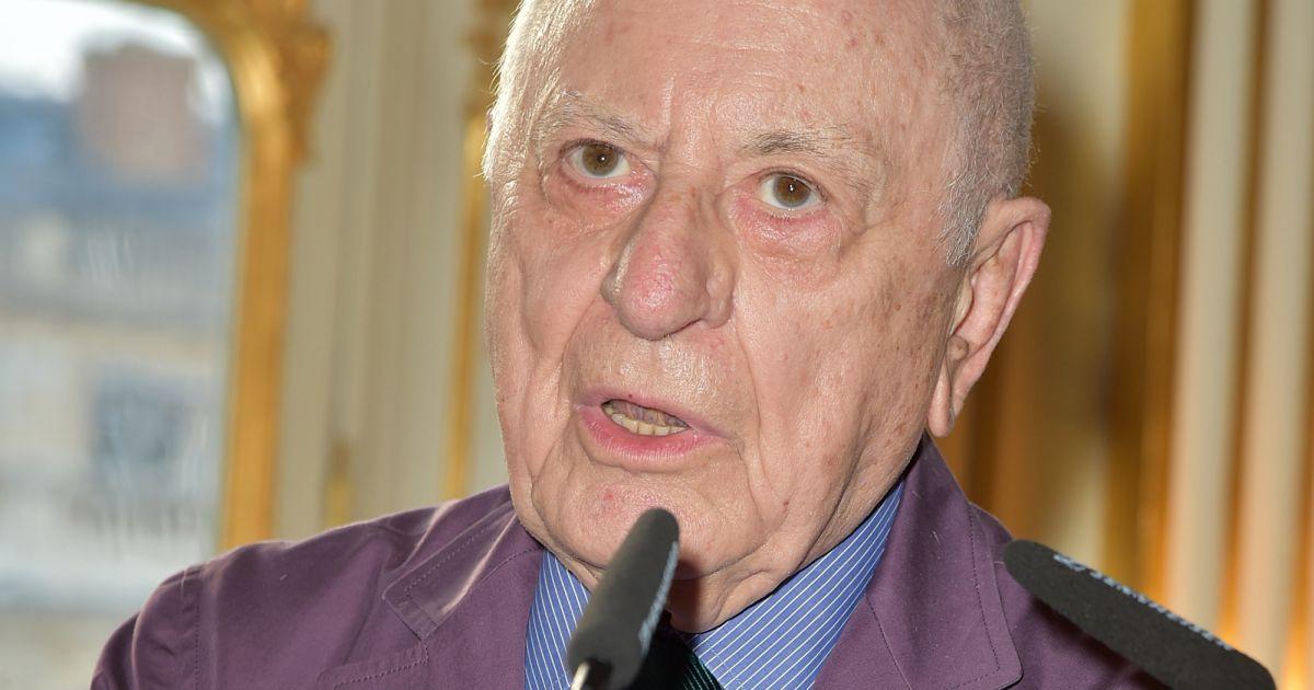 Pierre berg remet la l gion d 39 honneur nathalie dufour for Prix de la pierre