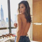 Alessandra Ambrosio : Topless dans les coulisses d'un shooting