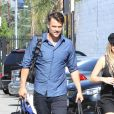 Fergie et son mari Josh Duhamel arrivent à un rendez vous à Hollywood Los Angeles, le 24 Juillet 2015  51807367 Singer Fergie is all smiles while heading to a meeting in North Hollywood, California withe her husband Josh Duhamel on July 24, 2015. The happy couple left their son Axl at home during their adults only outing.24/07/2015 - Los Angeles