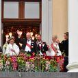 La princesse Ingrid Alexandra, le prince Sverre Magnus, la princesse Emma Tallulah Behn, la reine Sonja de Norvège, le roi Harald, la princesse Leah Isadora, la princesse Mette Marit, le prince Haakon et la princesse Martha Louise - Les familles royales au balcon lors du 80ème anniversaire du roi Harald et de la reine Sonja de Norvège à Oslo le 9 mai 2017. 09/05/2017 - Oslo