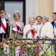 Le roi Willem Alexander, la reine Maxima, la princesse Beatrix, la princesse Mabel, la princesse Astrid, le prince Constantijn - Les familles royales au balcon lors du 80ème anniversaire du roi Harald et de la reine Sonja de Norvège à Oslo le 9 mai 2017. 09/05/2017 - Oslo