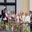 Sophie, comtesse de Wessew, la reine Silvia, le roi Carl Gustav, le roi Willem Alexander, la reine Maxima, la princesse Beatrix, la princesse Mabel, la princesse Astrid, le prince Constantijn - Les familles royales au balcon lors du 80ème anniversaire du roi Harald et de la reine Sonja de Norvège à Oslo le 9 mai 2017. 09/05/2017 - Oslo
