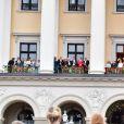Balcon - Les familles royales au balcon lors du 80ème anniversaire du roi Harald et de la reine Sonja de Norvège à Oslo le 9 mai 2017. 09/05/2017 - Oslo