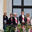 Sophie, comtesse de Wessex, la reine Silvia, le roi Carl Gustav, le roi Willem Alexander, la reine Maxima, la princesse Beatrix, la princesse Mabel, la princesse Astrid - Les familles royales au balcon lors du 80ème anniversaire du roi Harald et de la reine Sonja de Norvège à Oslo le 9 mai 2017. 09/05/2017 - Oslo