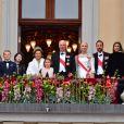 La princesse Ingrid Alexandra, la princesse Emma Tallulah Behn, le prince Sverre Magnus, la princesse Maud Angelica, la reine Sonja, la princesse Leah Isadora, le roi Harald, la princesse Mette Marit, le prince Haakon, la princesse Martha Louise - Les familles royales au balcon lors du 80ème anniversaire du roi Harald et de la reine Sonja de Norvège à Oslo le 9 mai 2017. 09/05/2017 - Oslo