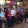 """Gordon Ramsay dans son émission """"Hotel Hell"""", dans lequel il vient en aide aux hôteliers en difficulté. Ici face à l'équipe du Murphy's Hotel, en Californie, dans un épisode diffusé en septembre 2014."""
