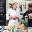 Photo de Marion Lefebvre, Philippe Etchebest et Michel Sarran sur le plateau de Top Chef. 2017.