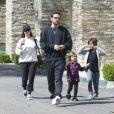 Kourtney Kardashian et Scott Disick emmènent leurs enfants Mason et Penelope au cinéma à Calabasas le 8 avril 2017