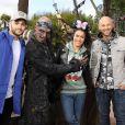 Franck Gastambide,Sabrina Ouazani et Malik Bentalha lors de l'avant-première du film Pirates des Caraïbes 5 au parc Disneyland Paris, le 14 mai 2017.
