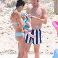 Exclusif - Le footballeur international espagnol évoluant au poste de milieu de terrain avec le FC Barcelone, Andres Iniesta avec sa femme Anna Ortiz et ses enfants Valeria et Paolo en vacances à ibiza le 9 juillet 2016.