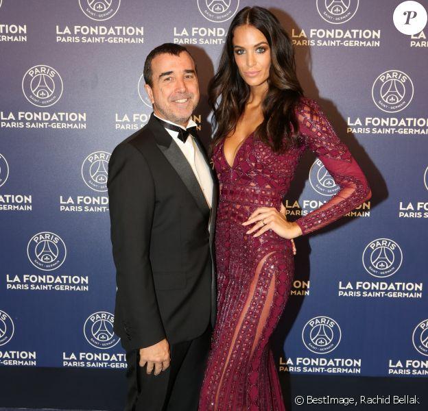Exclusif - Arnaud Lagardère et sa femme Jade Foret - Dîner de gala au profit de la Fondation PSG au Parc des Princes à Paris le 16 mai 2017.
