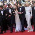 """Devon Bostick, Jake Gyllenhaal, Lily Collins, Paul Dano, Tilda Swinton, Bong Joon-Ho et Ahn Seo-Hyun - Montée des marches du film """"Okja"""" lors du 70ème Festival International du Film de Cannes. Le 19 mai 2017. © Borde-Jacovides-Moreau / Bestimage"""